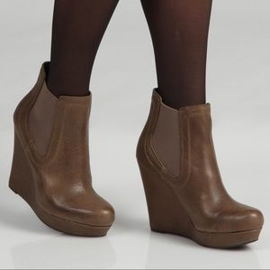 Seychelles Prime Suspect leather wedge ankle boots
